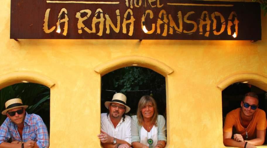 Thed Pettersson och Pia Ekasala har drivit hotellet La Rada Cansada (Den trötta grodan) sedan år 2000.
