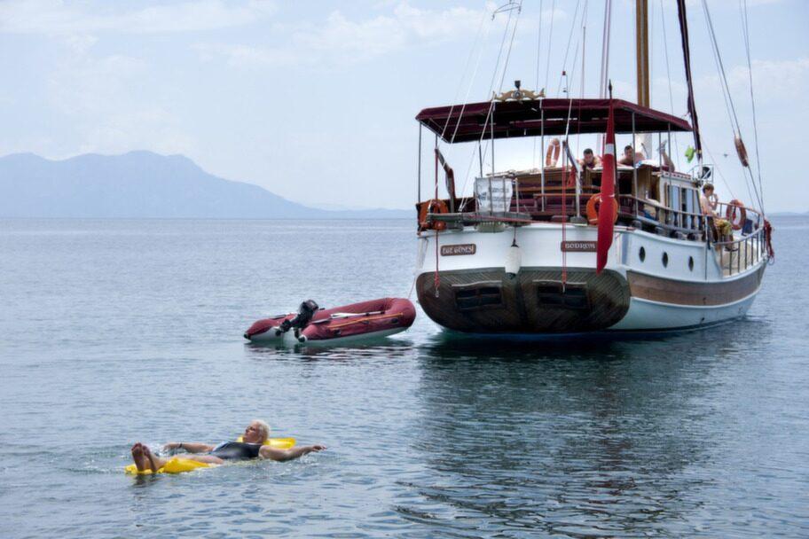 Att segla med en<br>gület är ett härligt sätt att uppleva turkiska kusten.<br>