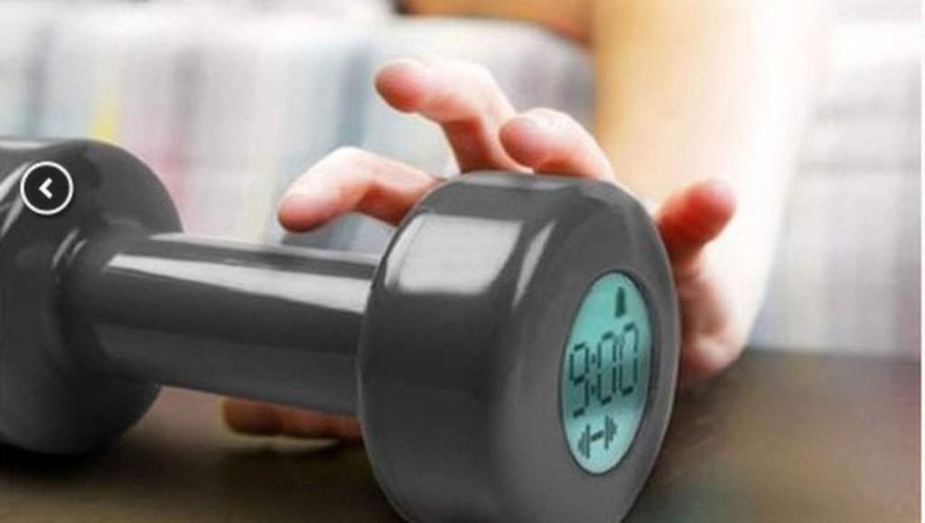<p>Den som har svårt att ta sig upp behöver kanske hjälp på traven. Kanske av träningsklockan som inte stänger av sig förrän du gjort 30 biceps-övningar?</p>