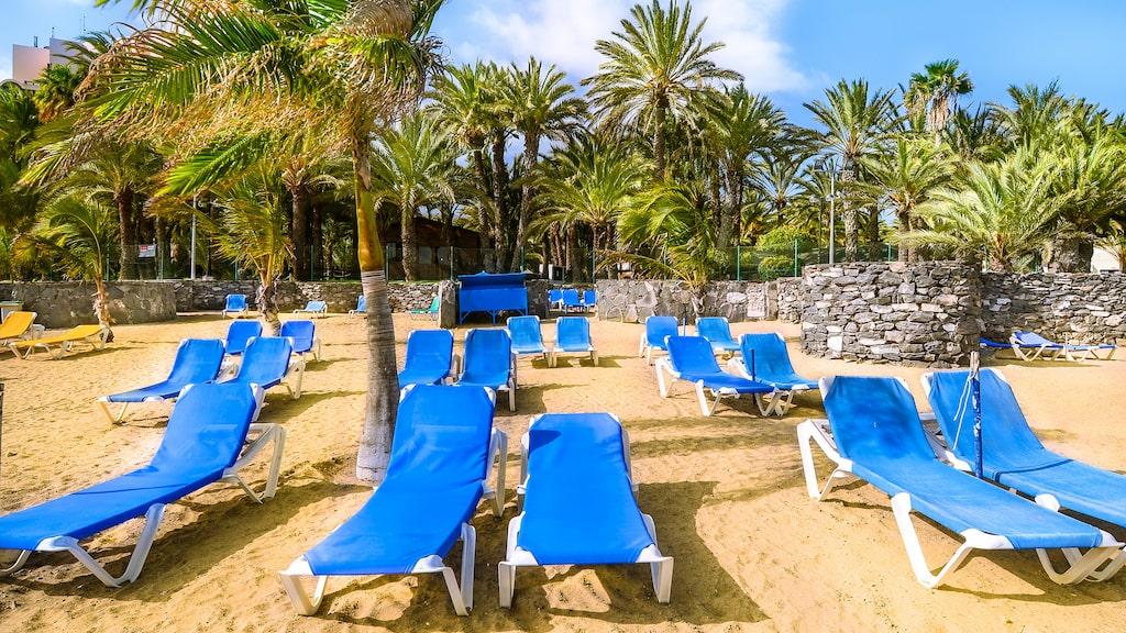 Gott om lediga solstolar på Kanarieöarna.