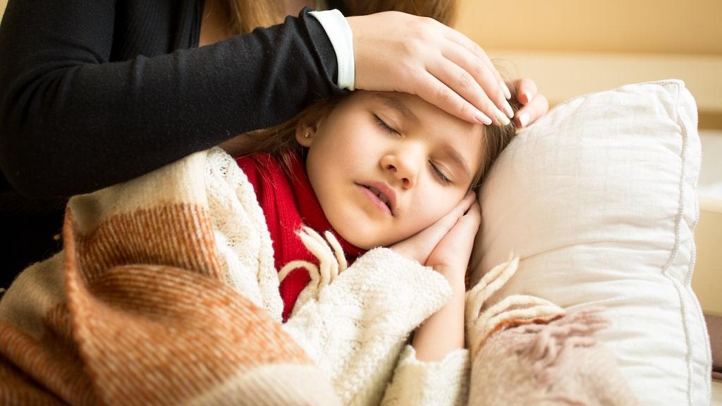 Symtomen kan skilja sig mellan barn och vuxna.