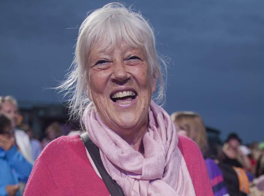 <strong>Anita Jacobsson, 69, lärare:</strong><br>- Ja, jag mår bra av att sjunga. Helst visor. Just nu barnvisor.