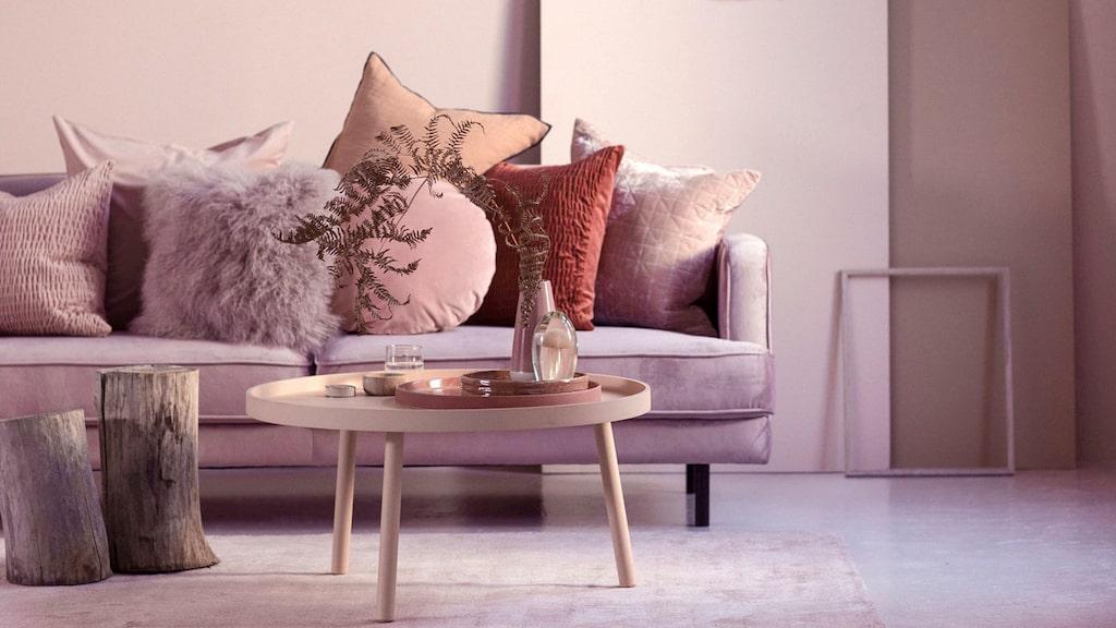 Ellos vårkollektioner går i rosa toner.