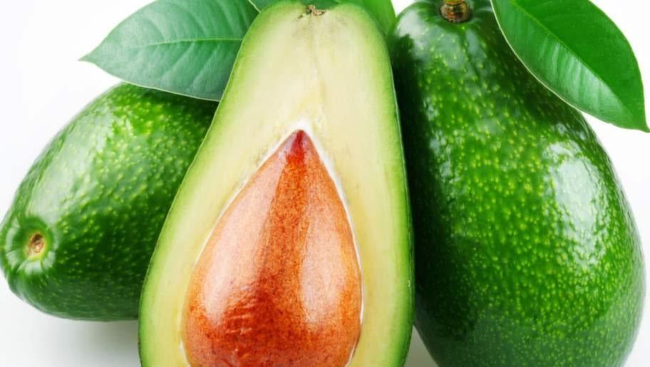 Avokado innehåller mycket fett men är fortfarande nyttigt.