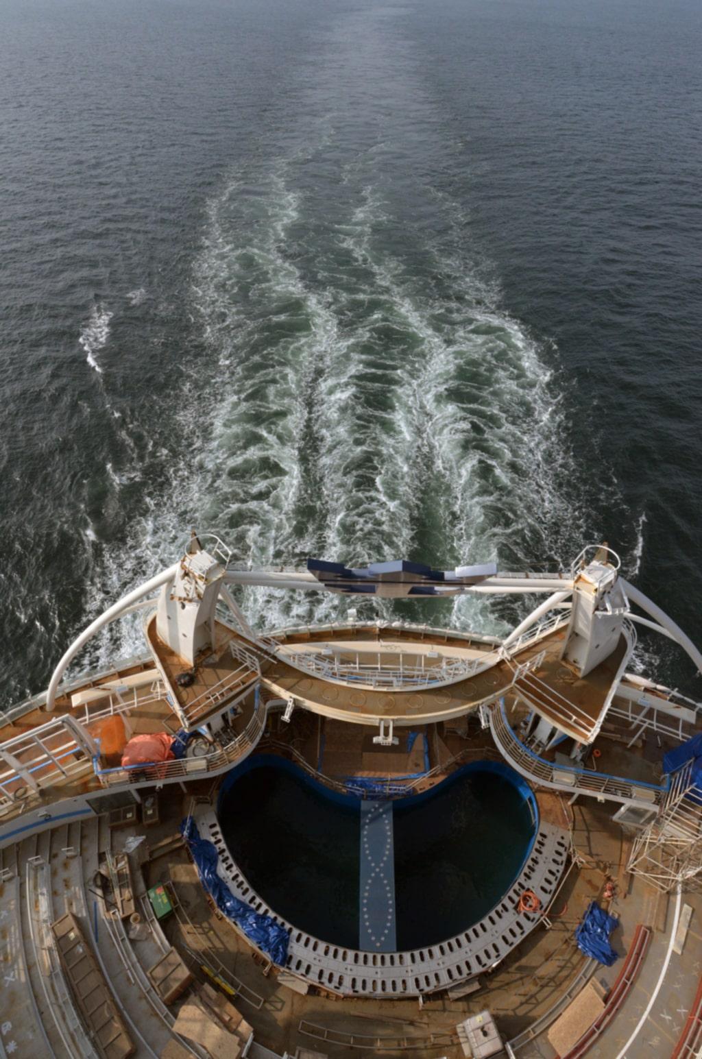 I sommar kan svenskar resa med fartyget. Då startar Fritidsresor resor som omfattar flyg till Barcelona och därpå Medelhavskryssning med Harmony Of The Seas.