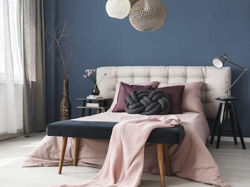 Det här är förstås också mysigt – men också trångt om man sover i en 120 eller 160 centimeter bred säng som den här.