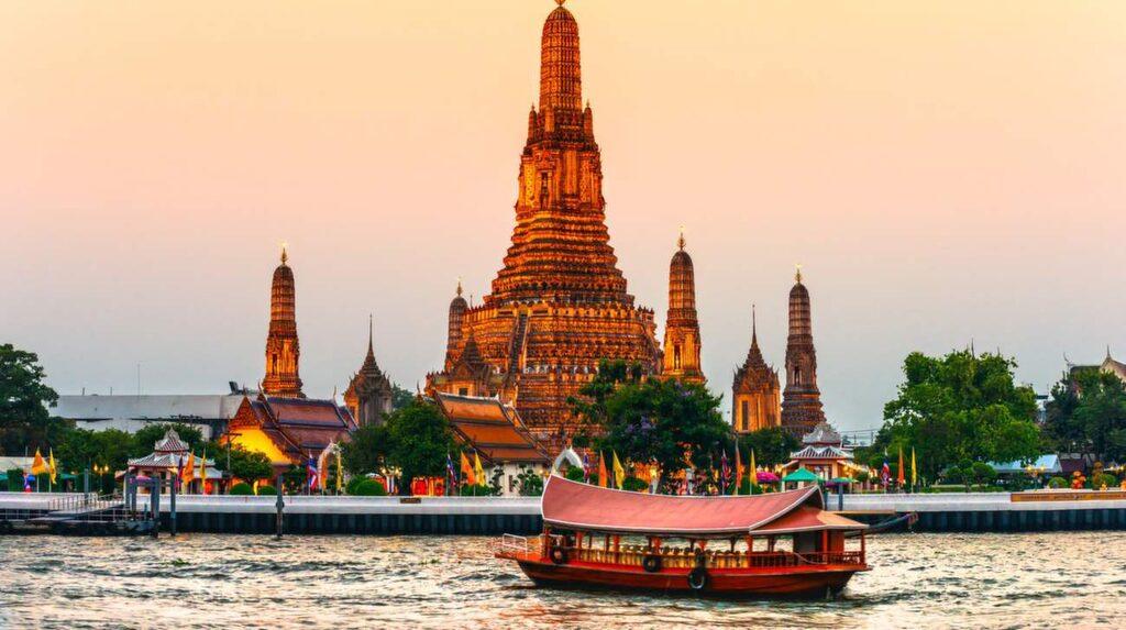 Bangkok ligger många varmt om hjärtat, och toppar Uppsalabornas sökningar.