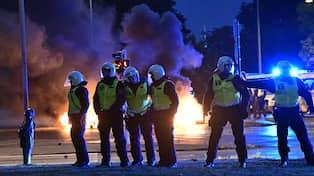 Flera Poliser Skadade Efter Valdsamma Upploppet I Malmo