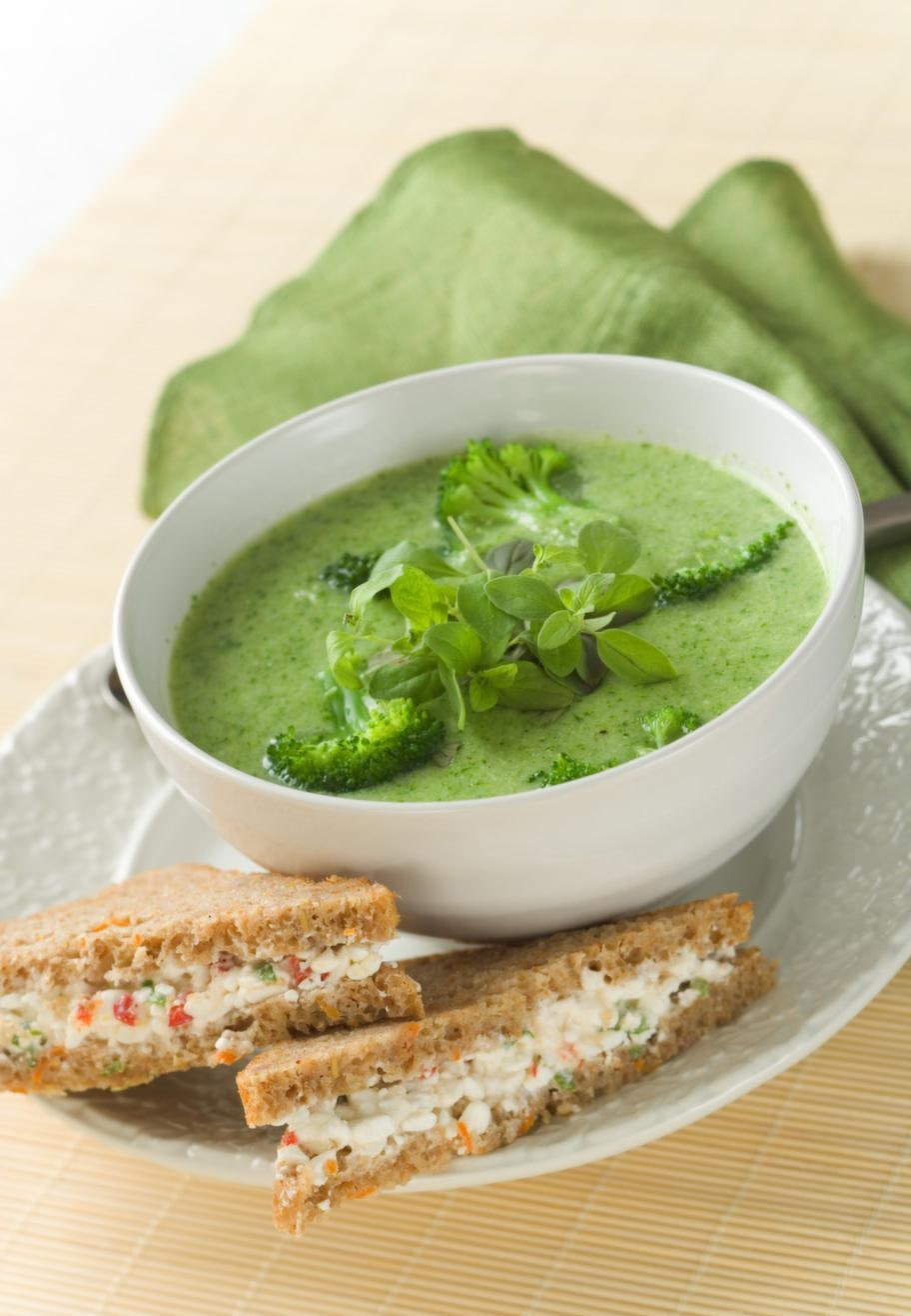 Broccoli<br>Serveringstips: Gör en broccolipaj, broccolisoppa eller servera kokad broccoli till en maträtt.