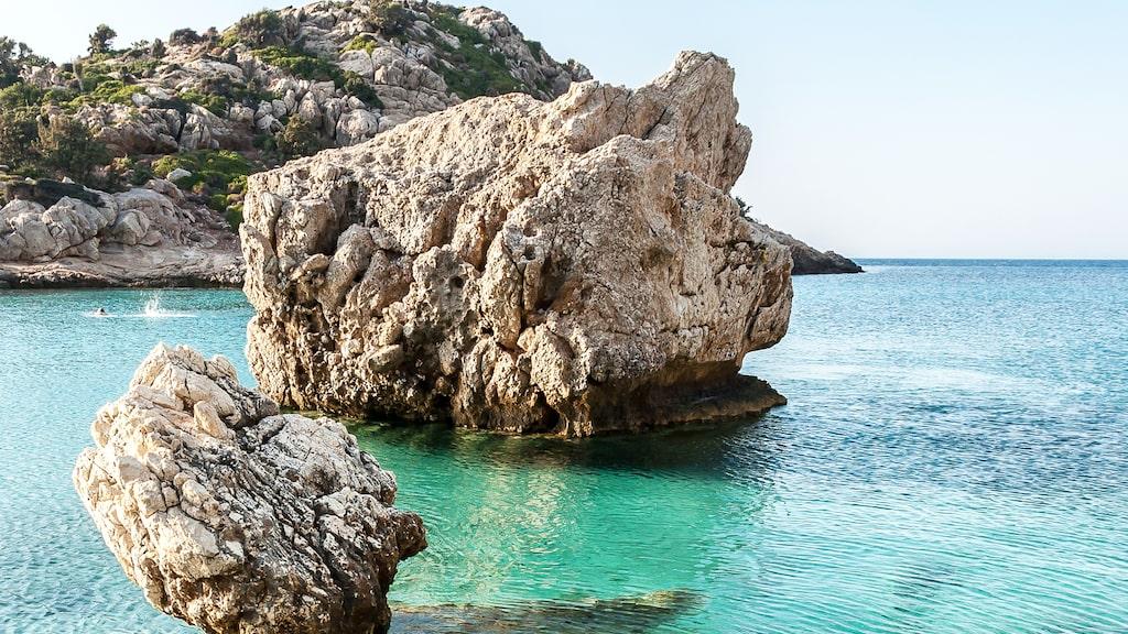Ikaria har ett makligt tempo men havet kan vara strömt, det gäller att hitta de lugna vikarna.