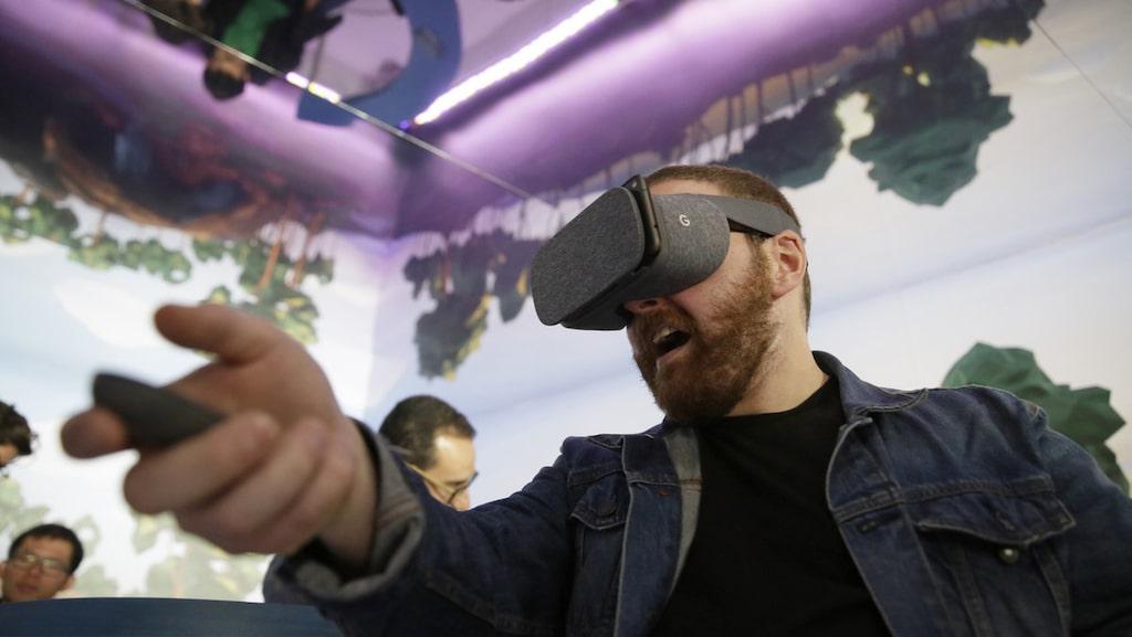 VR-glasögon kan du hitta i allt från 300 till 10 000 kronor.