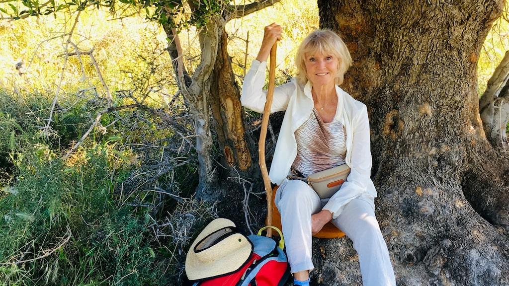 Marie-Louise Eklöf har alltid på sig strumpbyxor i skogen.