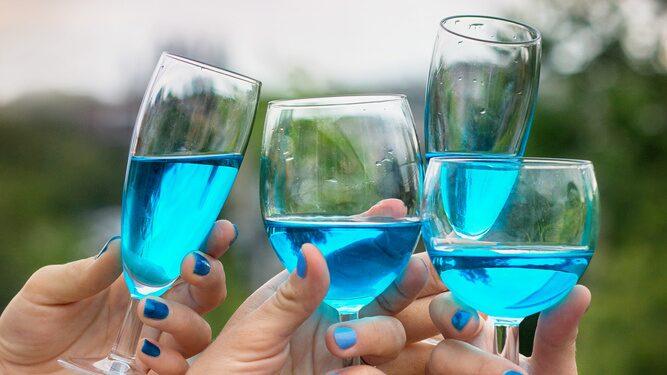 Företaget bakom enhörningstårarna låg också bakom det blå vinet en gång i tiden.