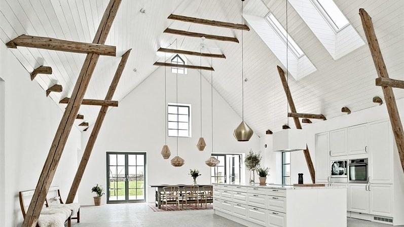 Här får du en villa i toppskick och en interiör som slår det mesta!