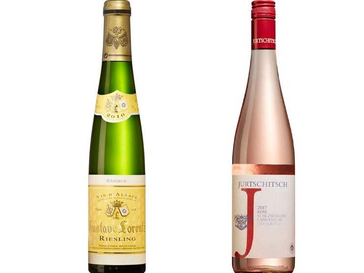 Både riesling och rosé finns i Mikael Mölstads sommarkyl och avnjuts beroende på tillfälle.
