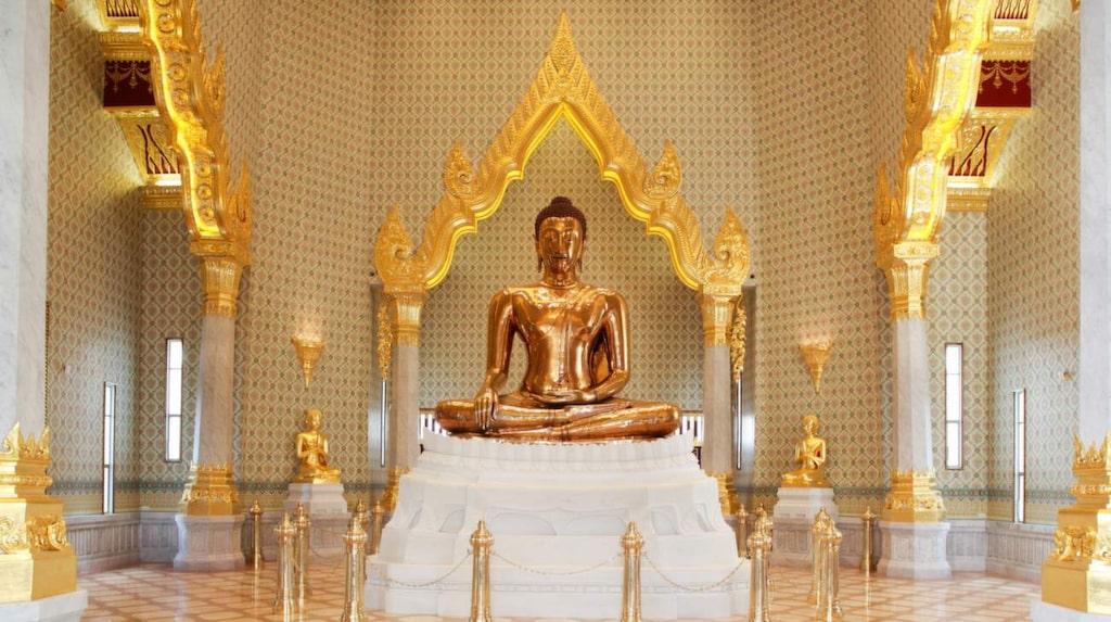 <p>I Bangkok finns världens största Buddha i guld. </p>