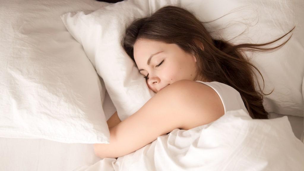 När tvättade du din kudde senast? En vanlig kudde kan innehålla miljontals svampporer och mängder av kvalster.