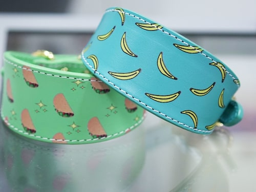 Efterfrågan har varit stor på designade hundhalsband i läder prydda med lekfulla mönster