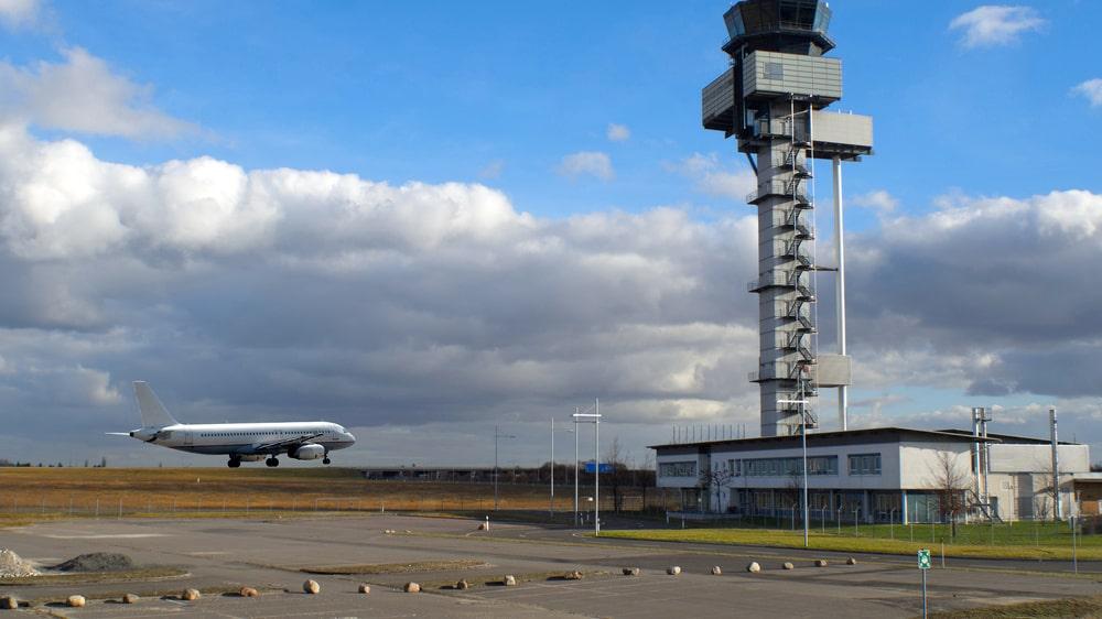 Flygplatsen i Leipzig ligger granne med Autobahn A14.
