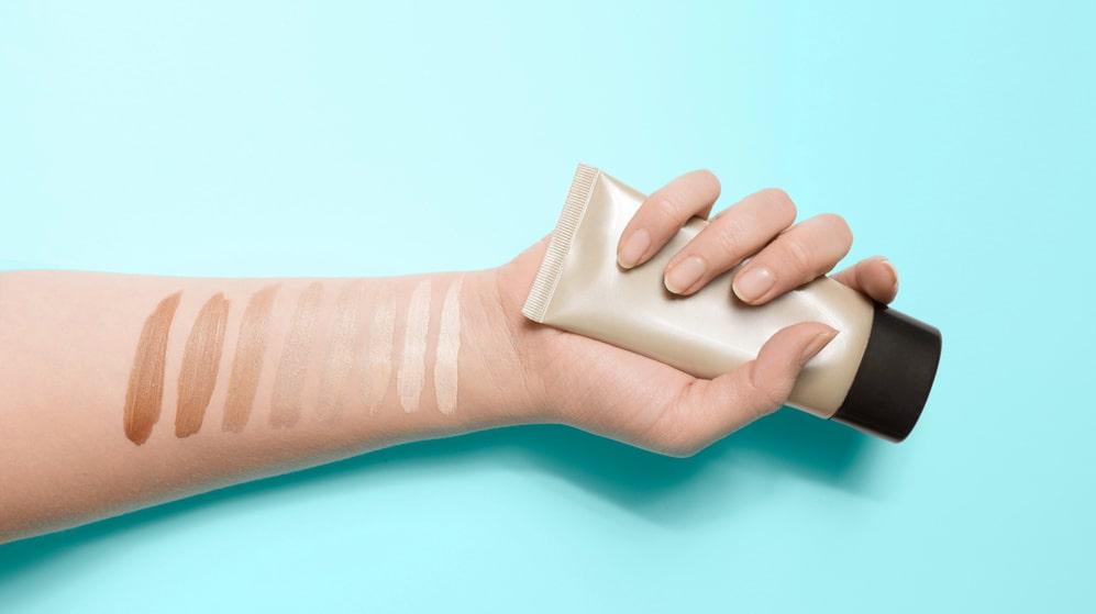Behöver du hjälp att hitta rätt nyans för din hudton?