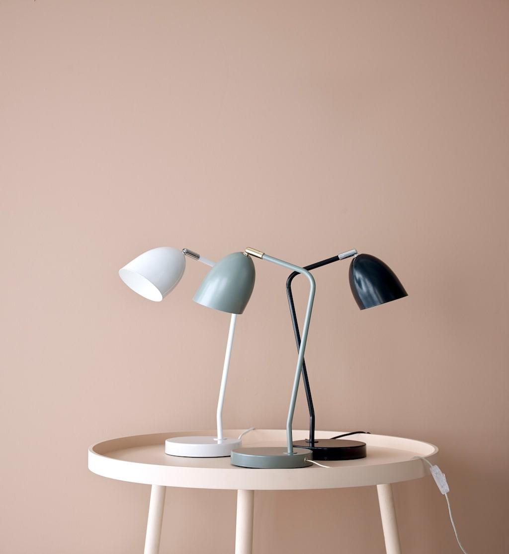Nya bordslampan Alfons i tre kulörer.
