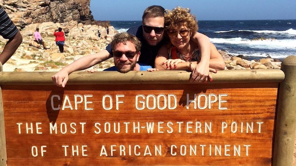 Amelia Adamo reser med sin familj till Afrika.