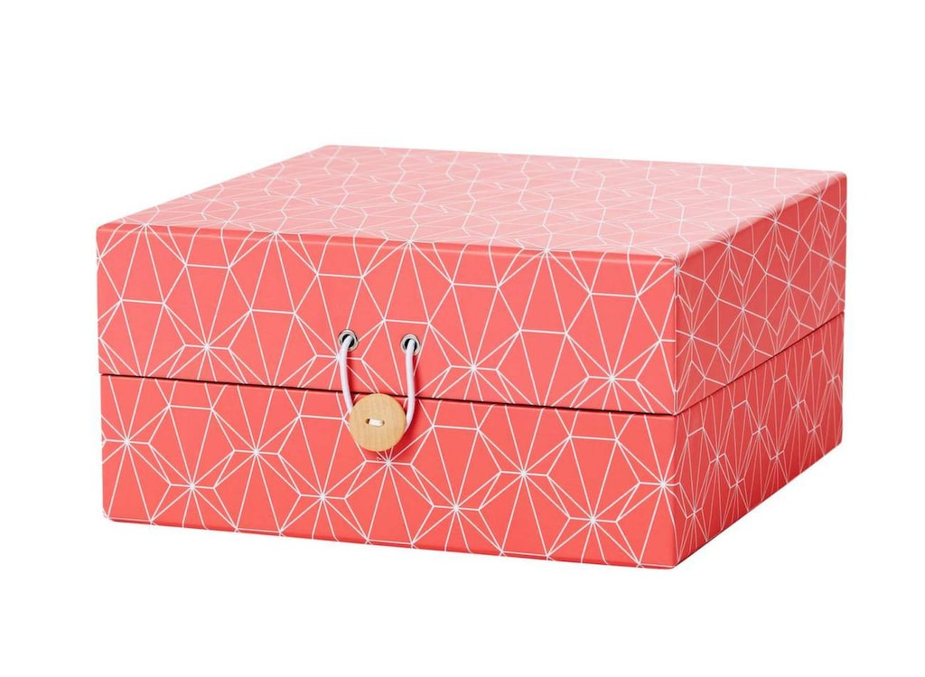 Grafiskt mönster. Korallröd låda för förvaring. 79 kronor, Hemtex.