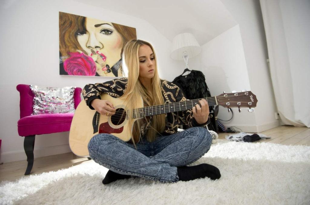 De senaste åren har Isa Tengblad åkt till Los Angeles för att skriva och spela in låtar.