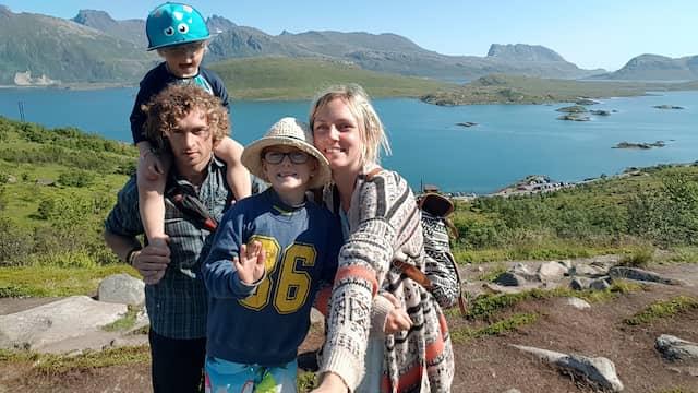 Barnfamiljen kan få betalt  – för att bo på lyxresorter