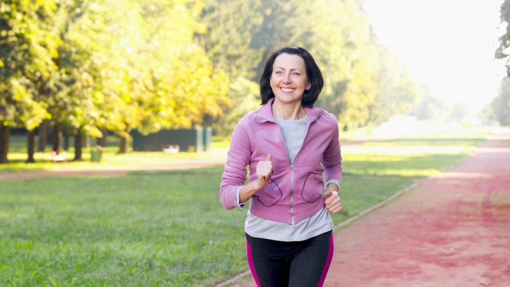 Fysisk aktivitet minskar risken för demens med 40 procent, och det räcker att promenera 30 minuter fem dagar i veckan.