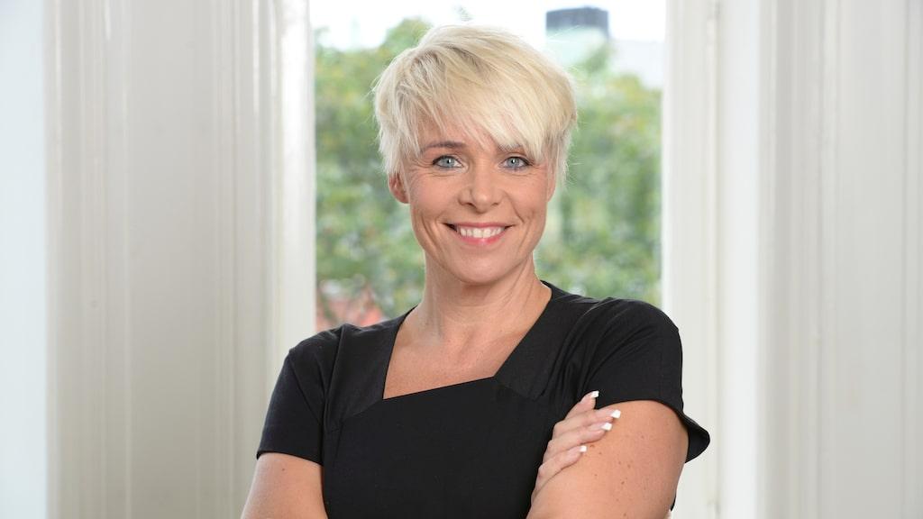 Mia Törnblom är ledarutvecklare och expert på självutveckling.