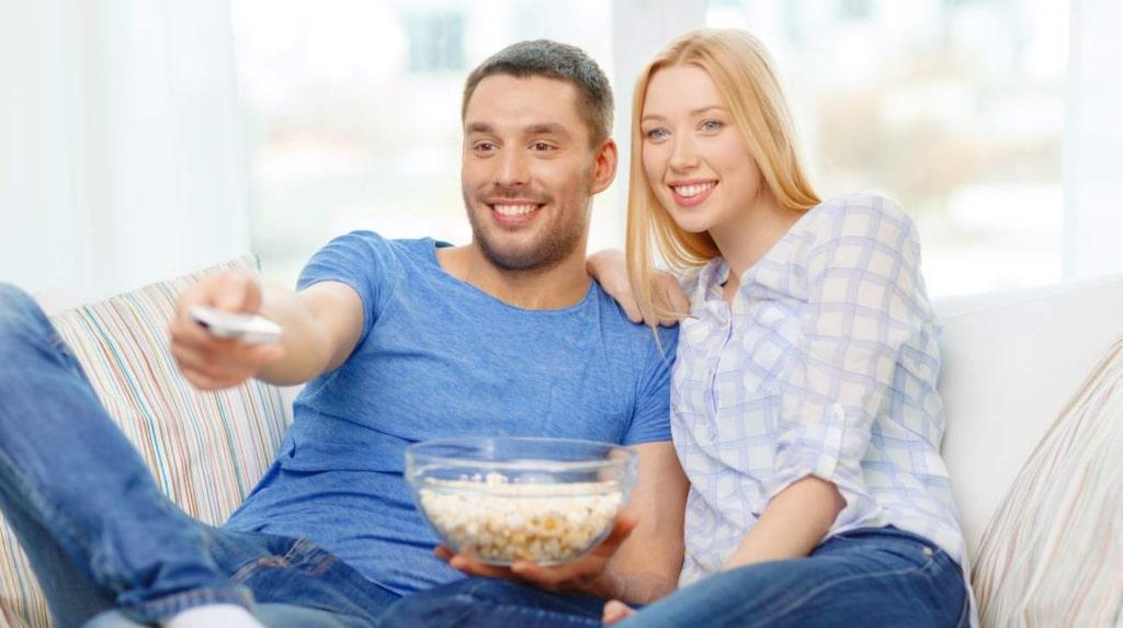<p>Efter en kväll hemma i soffan fylld av romantik i filmens värld är det lätt att känna att ens eget liv gärna fick likna filmkaraktärernas.</p>