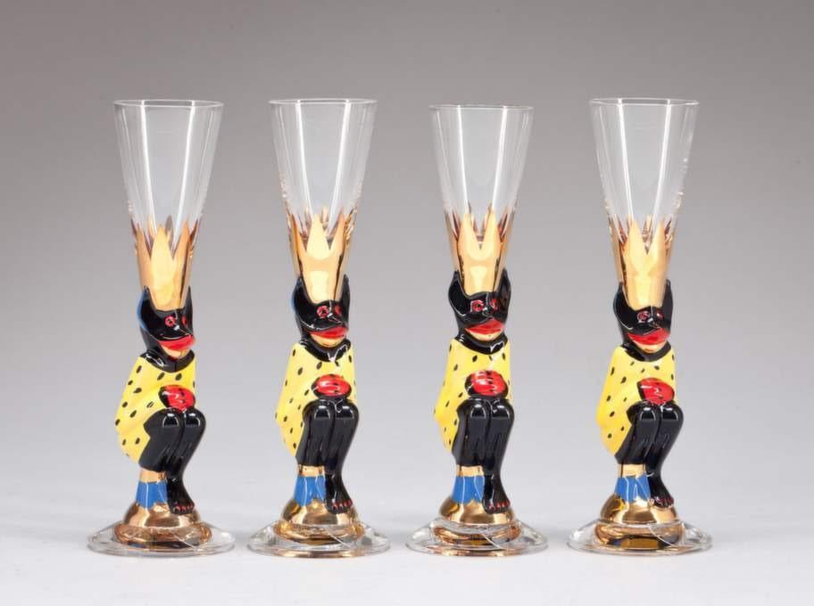 Vi suktade efter Nobelservisen som kom 1991 och sombelönades med Utmärkt svensk form 1992. Här snapsglas av Gunnar Cyrén för Orrefors.