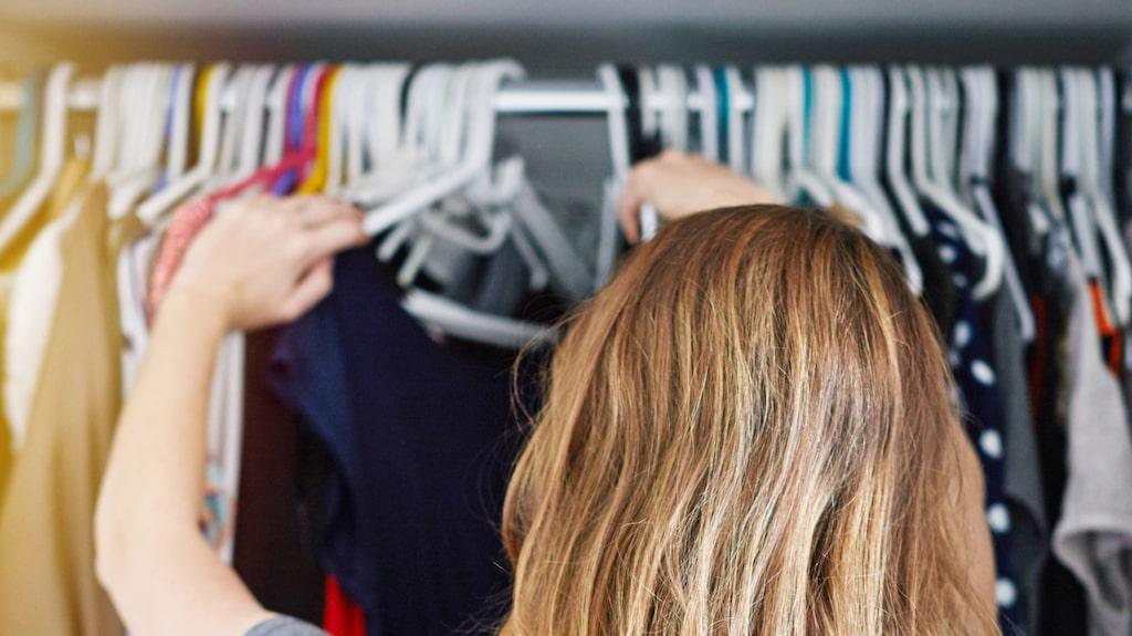 Ett knep att slippa krypen är att städa, och tänka på hur du förvarar kläder och andra textilier. Se till att de är rena och gärna tätförpackade. Kontrollera kläderna med jämna mellanrum.
