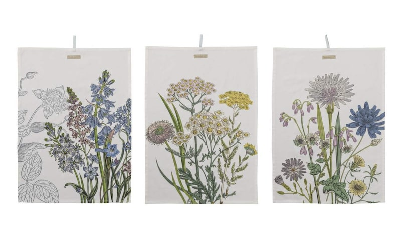 Kökstextil. En handduk med blommor blir en vacker detalj, 79 kronor styck, Bloomingville.