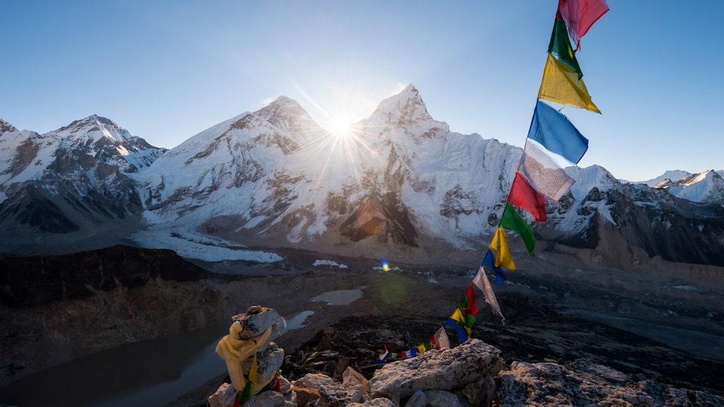 Från och med januari 2020 är det förbjudet att ta med sig engångsplast till baslägret på Mount Everest.