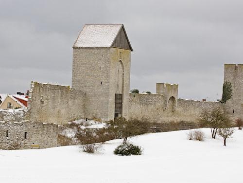 Julmys i ett vintrigt Visby.