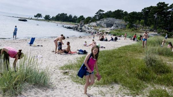 Fina sandstranden Trouville på Sandön.