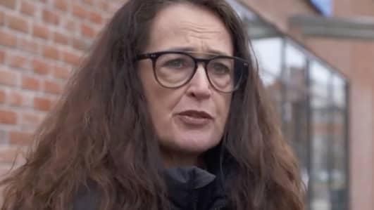 Kvinna överfölls och  knivhöggs 13 gånger