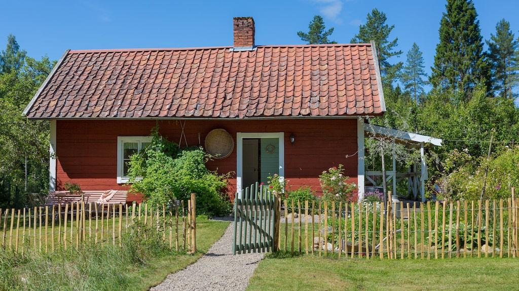 Ljungstorp är en drängstuga från 1800-talet och ligger utanför Ljungsbro i Östergötland.