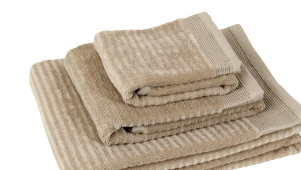 <p>Passa på! Just nu 20 % rabatt på handdukar i fin kvalitet från Pelle Vävare i vår webbutik. Klicka på plustecknen i bilden för att handla direkt. Välkommen till LEVA&amp;BO Shopping!</p>
