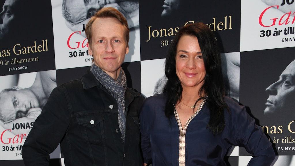 Programledaren tillsammans med maken Magnus.