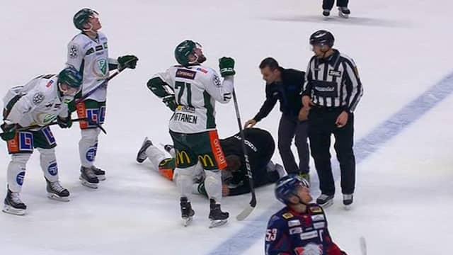 Otacka smallen tvingade lagkaptenen att bryta matchen