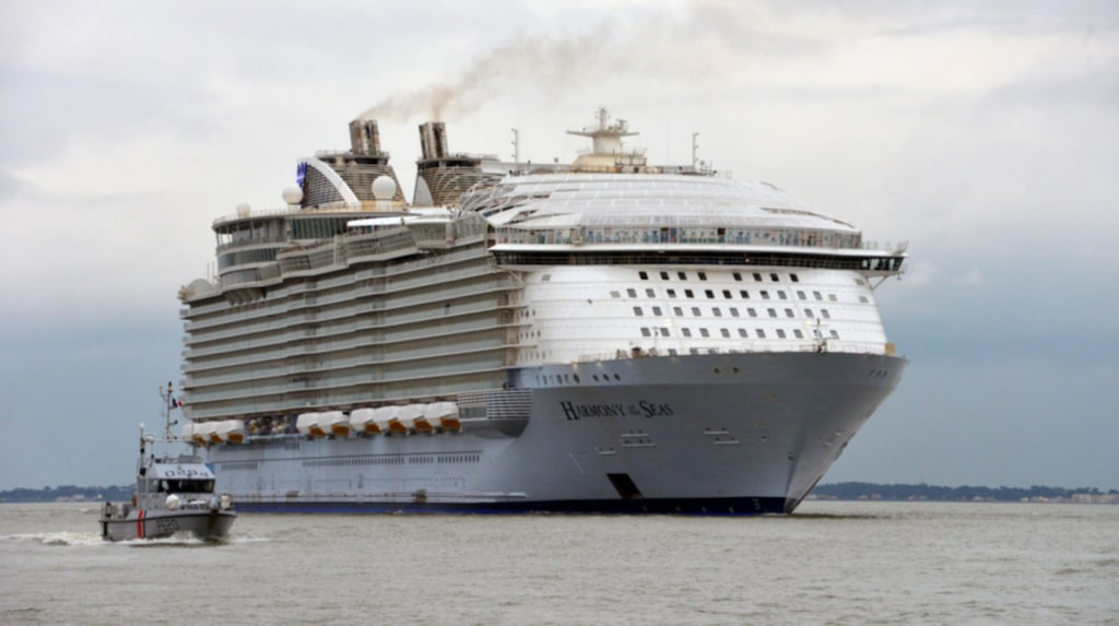 I fredags begav sig Harmony Of The Seas från dess byggplats i franska Saint-Nazaire för en provtur.