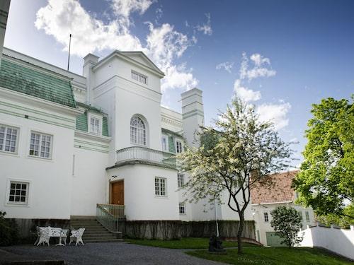 Thielska galleriet är ett av Sveriges förnämsta konstmuseer. Museet skapades av finansmannen Ernest Thiel.