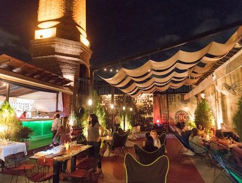 Fábrica de Arte Cubano är både en konsthall, klubb, bar och restaurang.