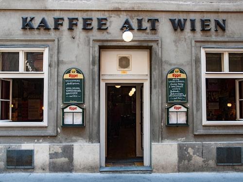 Det pyttelilla fiket Kleines Café som är perfekt för folkspaning tillsammans med ett litet glas eller en kaffe.