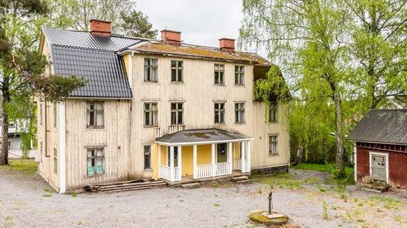 I fjol fick trevåningshuset på Rolfserud en ny ägare.