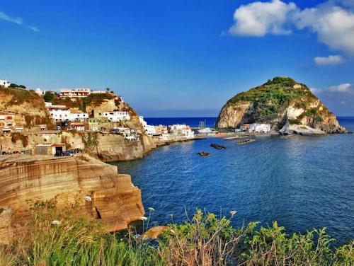 Ön Ischia har blivit italienarnas hälso-ö.