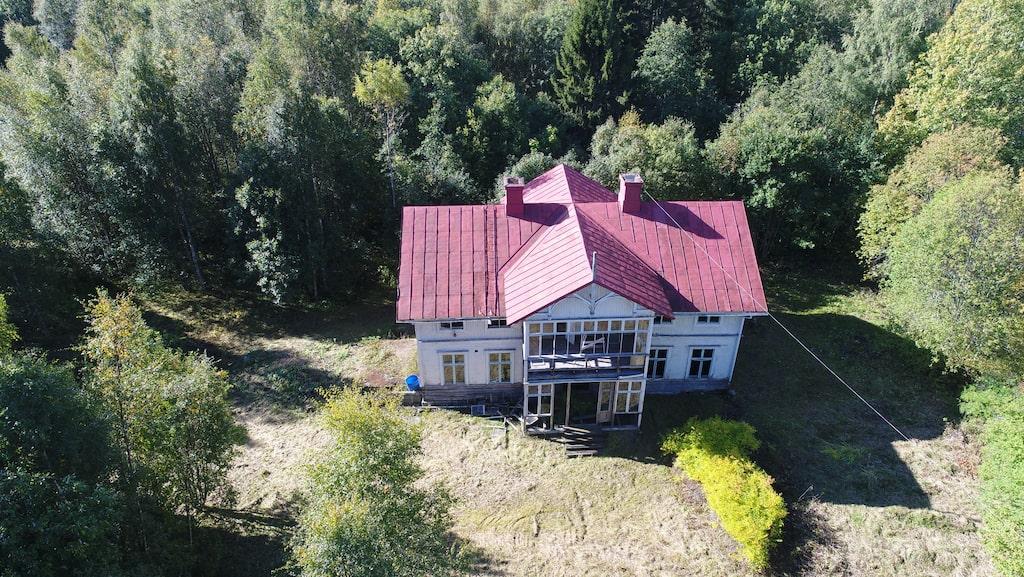 Villan i Köpmanholmen sedd från ovan.